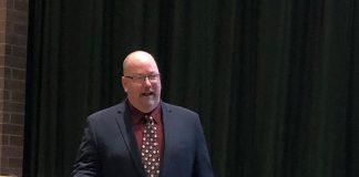 Detective David Brubaker of the High Tech Crimes Unit Ocean County Prosecutor's Office gave a presentation on internet safety. (Photo by Judy Smestad-Nunn)