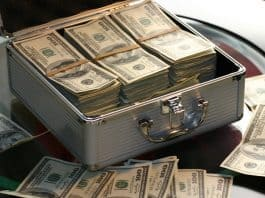 Money. (File photo)