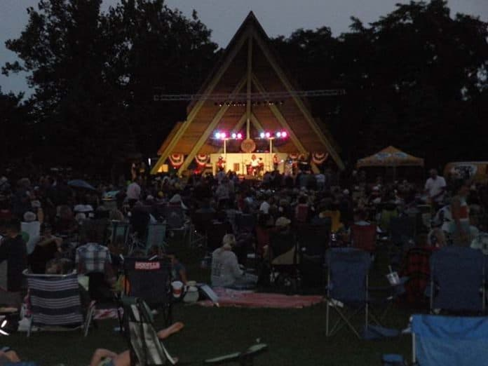 The concerts bring strong crowds when the weather is good. (Photo by Judy Smestad-Nunn)
