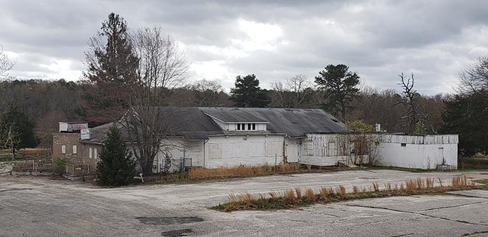 An abandoned nightclub which once featured such entertainment as singer Bruce Springsteen in the early 1970s, is seen on the parcel of Rova Farm property that the township is purchasing for preservation purposes. (Photo by Bob Vosseller)