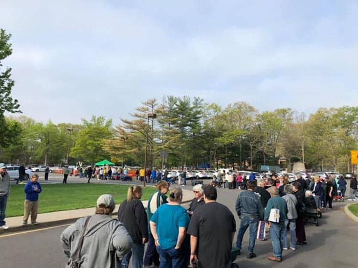 There was a long line of people waiting to get in to the plant sale. (Photo courtesy Al Giamarino)