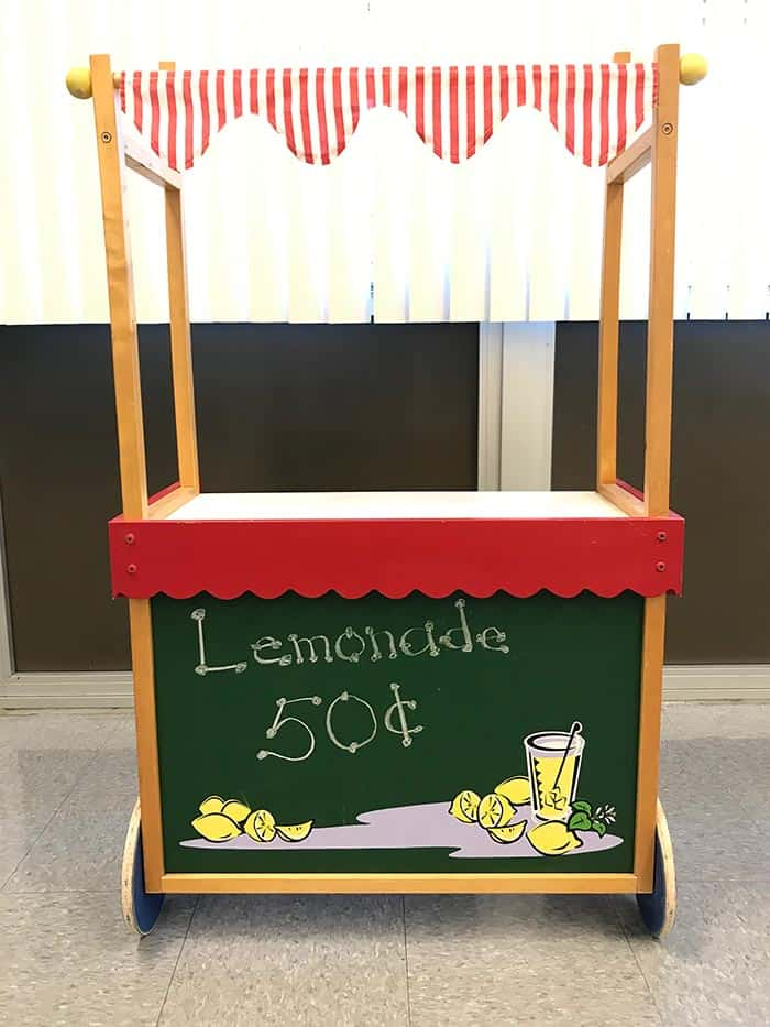 Students held a successful lemonade stand fundraiser. (Photo courtesy Cindy Imperiale)