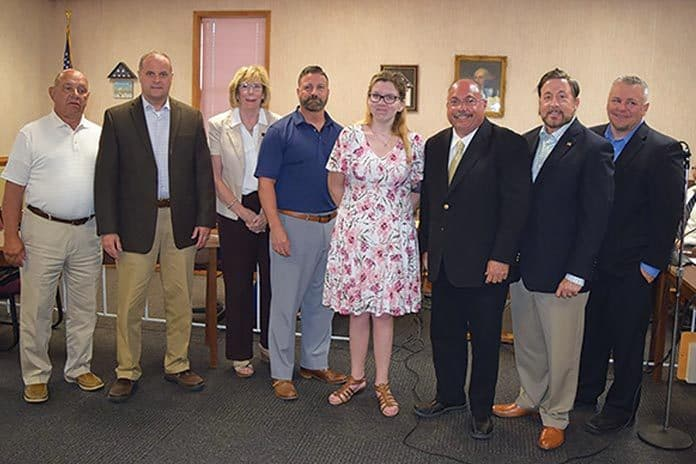 Megan Franzoso and her uncle Kevin Geoghegan thanked the township for their help. (Photo by Chris Lundy)